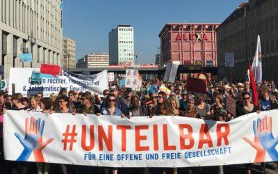 Über 150.000 Menschen demonstrieren in Berlin gegen Rassismus und für soziale Sicherheit