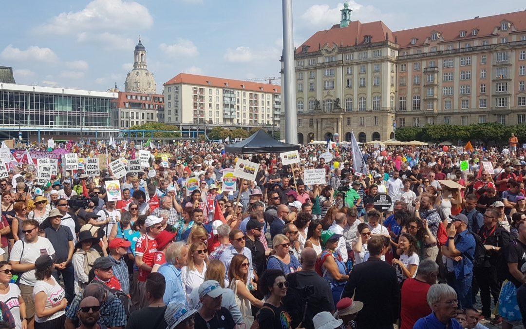 Starkes Zeichen vor den Wahlen in Sachsen, Brandenburg und Thüringen: 40.000 Menschen bei #unteilbar-Demo
